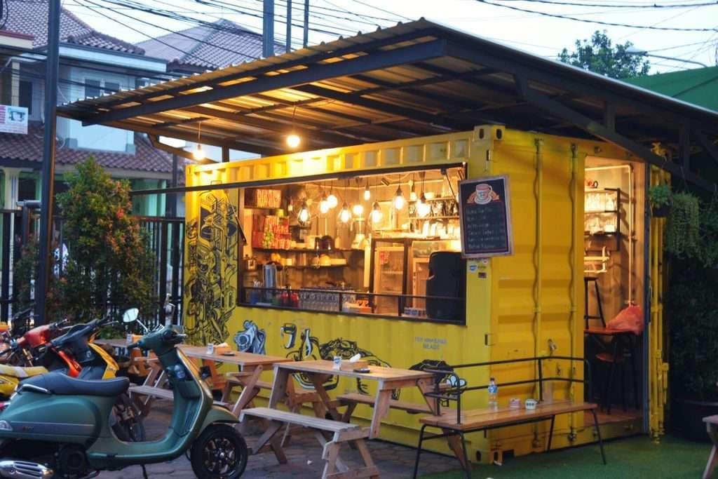 Tiệm cà phê nhỏ xinh nhưng vẫn mang tính độc đáo trong góc phố